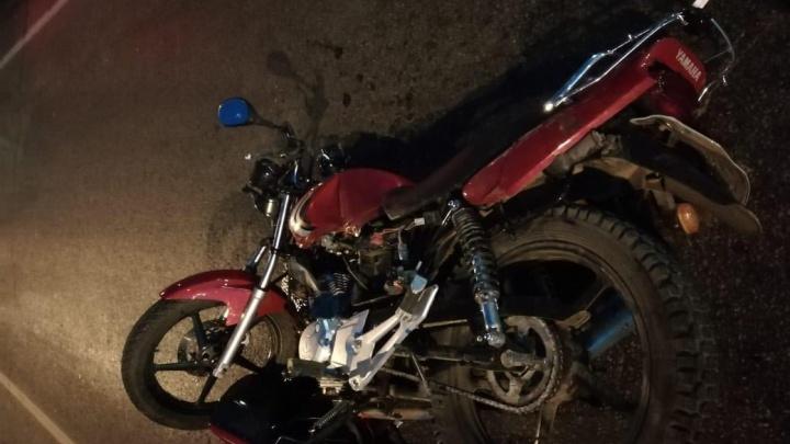 Под Кемеровом столкнулись мотоцикл и КАМАЗ, пострадали два подростка