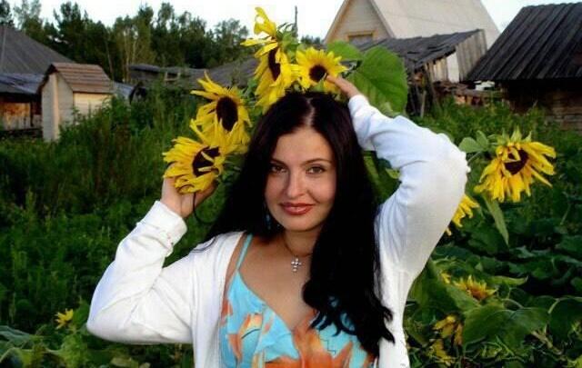 Поп-звезда 90-х Светлана Владимирская рассказала о жизни в общине Виссариона после задержаний