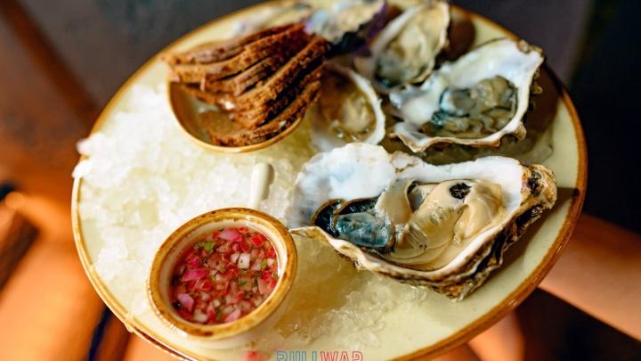 Невероятные устрицы, ежи и моллюски: чем удивит новый устричный бар на Цветном бульваре
