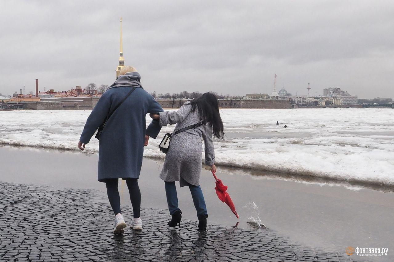 Последний месяц зимы в Петербурге ознаменовался настоящими штормами.Санкт-Петербург, 18 февраля 2020 года