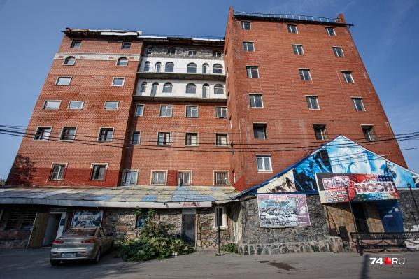 Грузинский центр находится на улице Красноармейской — рядом с новой дорожной развязкой