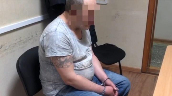 Полиция задержала тюменца, убившего двух человек в квартире