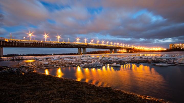 Предвестник бури: за несколько часов до урагана на Иртыше пошёл лёд
