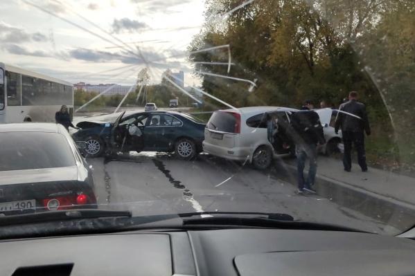 По предварительной информации, пострадал один из водителей