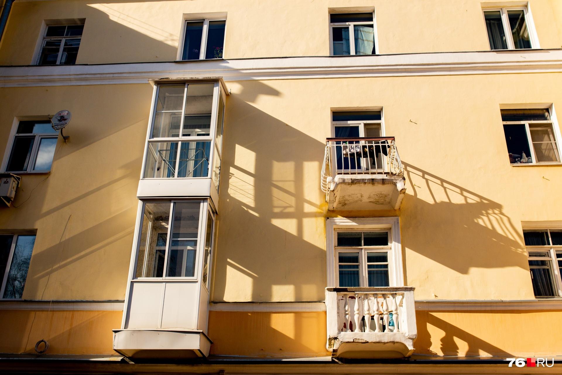 Иногда остекление балконов просто небезопасно