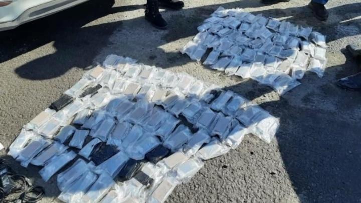 В Нижегородской области задержали курьера с 11 кг гашиша. Срок за это — до пожизненного