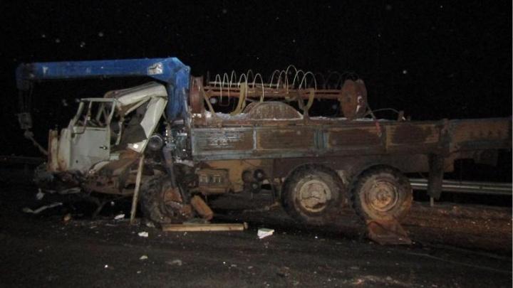 В массовой аварии на трассе в Прикамье погибли два человека