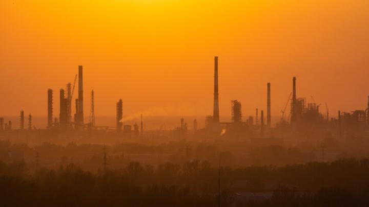 «Вклад в загрязнение атмосферы ничтожно мал»: «Омский каучук» — о превышении фенола в 120 раз