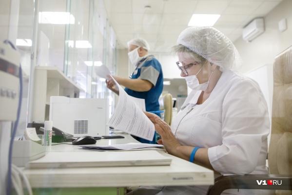 Медработники, которые заразились коронавирусом в больнице, могут признать заболевание профессиональным