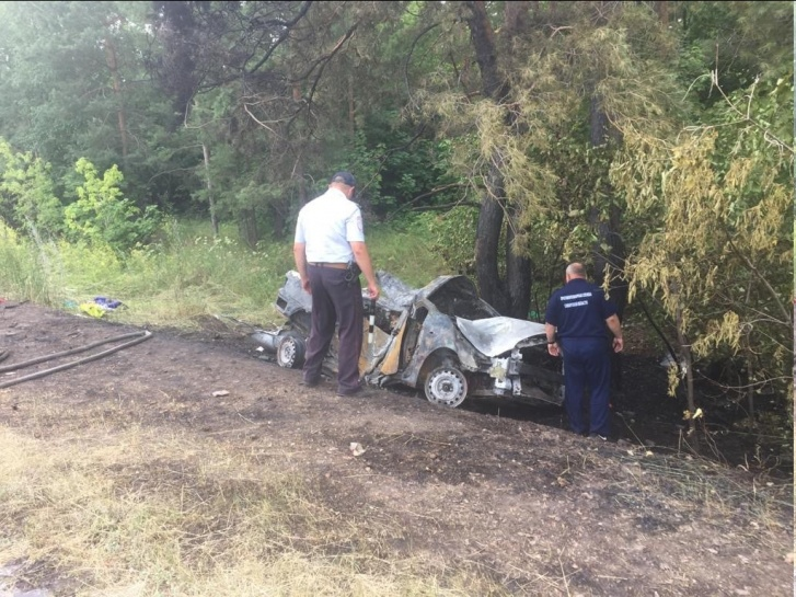 «Тойота» сгорела дотла за несколько минут