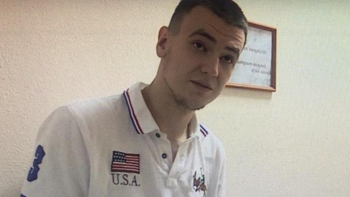 Гонщику из Уфы, который прокатил гаишника на капоте маминой машины, грозит до 10 лет тюрьмы