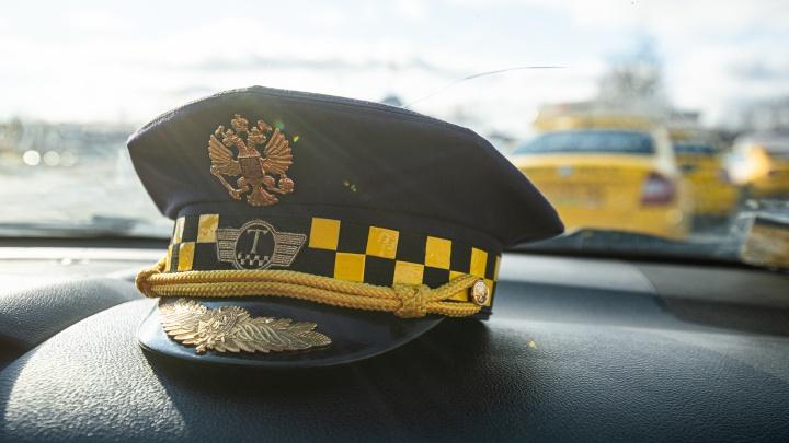 Под черно-белой шашечкой и «Комфорт+»: в Екатеринбурге выбрали лучшего таксиста