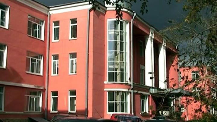 «Документ не подписан»: в старейшем роддоме Урала заявили, что пока не ждут больных COVID-19