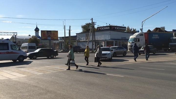 «Пробка аж до СХИ»: на загруженном перекрестке Второй Продольной перенастроили светофор