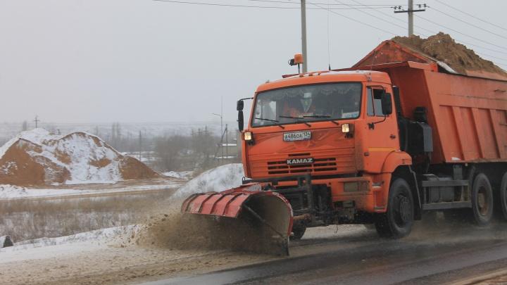 Будет еще хуже: в Волгоградской области дорожники готовы бороться с ледяным дождем
