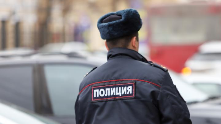 В Новошахтинске полицейский из травмата ранил девочку