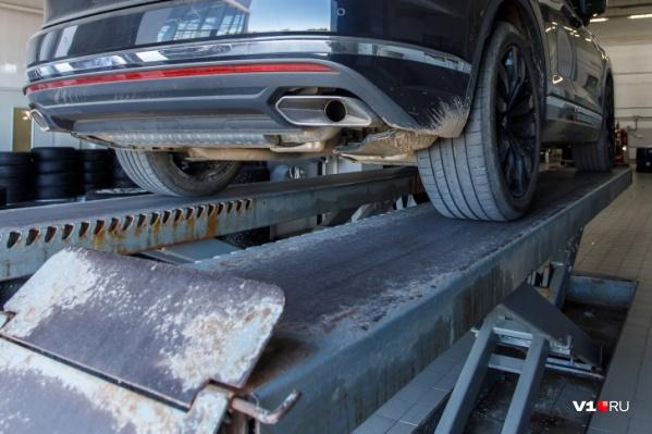 Автосалон не указал информацию о стоимости и перечне товаров, входящих в дополнительное оборудование