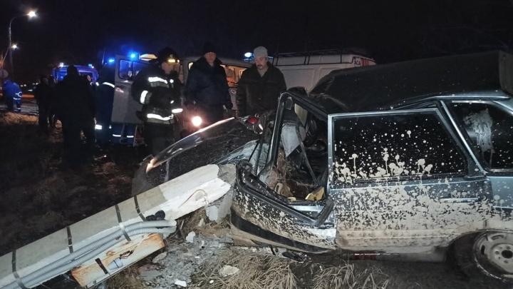 Машина всмятку и рухнувший столб: страшная авария произошла в Арзамасском районе