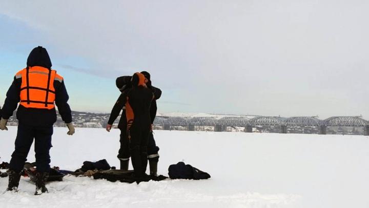 Нашли по шапке: в Самарской области в Волге утонул рыбак