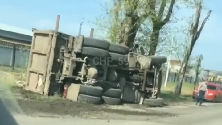В Перми на Соликамском тракте в ДТП погиб водитель МАЗа