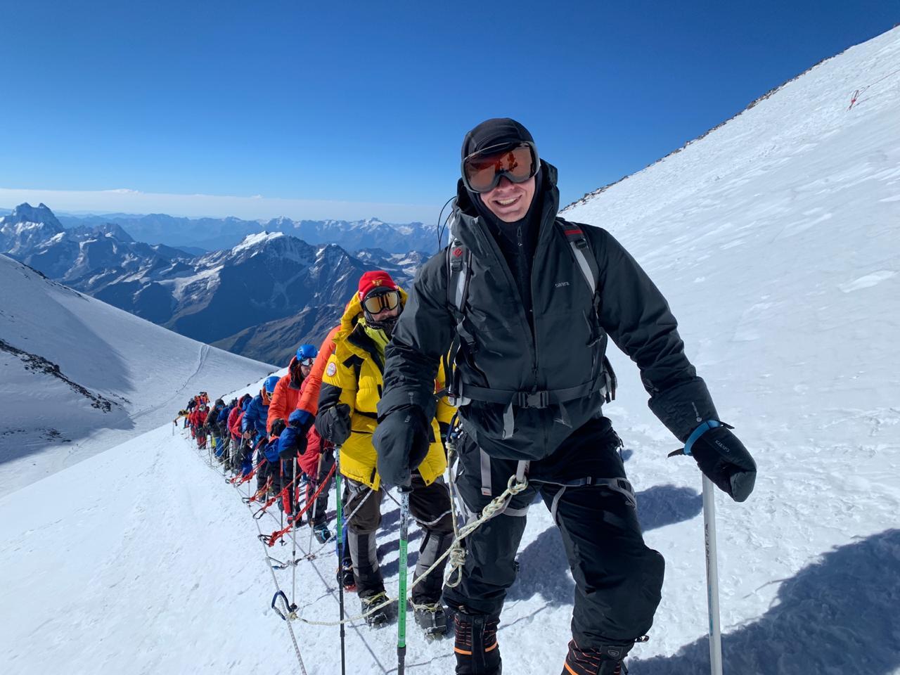 По словам фотографа, восхождение на Эльбрус по южному склону — это «неплохой старт для тех, кто хочет приобщаться к горам»