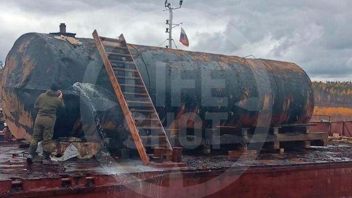 «Разлив топлива скрывали неделю»: подробности ЧП на Ангаре