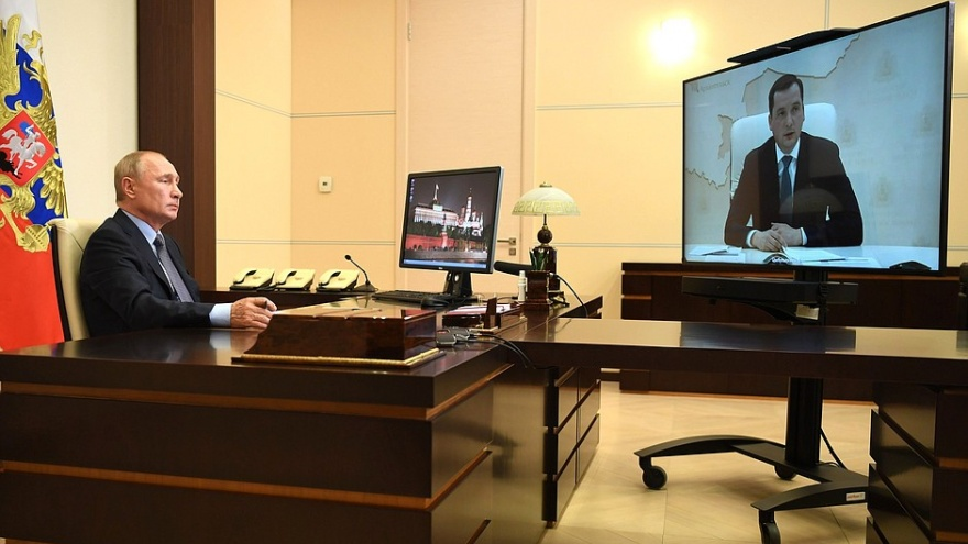 О чем Цыбульский просил Путина: короткий пересказ беседы президента с врио губернатора — в карточках