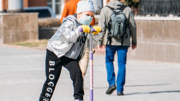Министр труда заявил, что детсады в Омске откроют не скоро