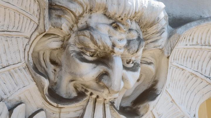 Боги и чудовища: кто следит за горожанами со старых домов Ростова