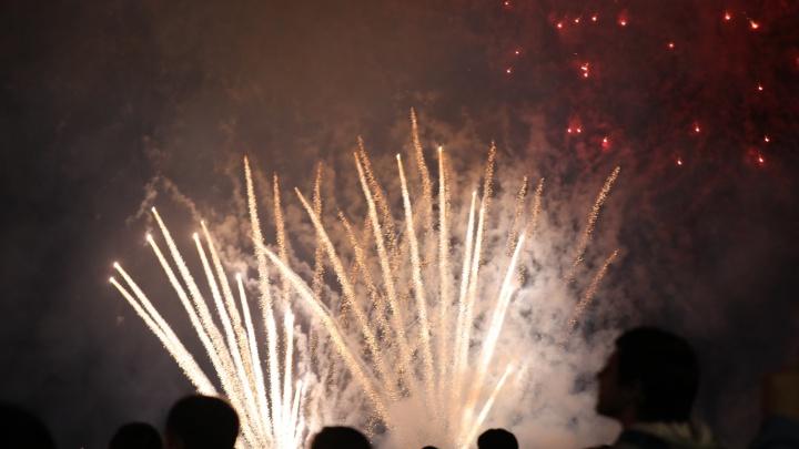 400 залпов! Любуемся самарским салютом в честь 75-летия победы в ВОВ