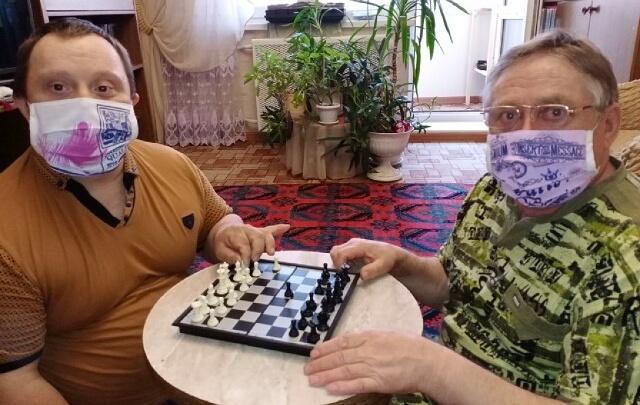 В Омске отец и сын умерли из-за коронавируса с разницей в пять дней