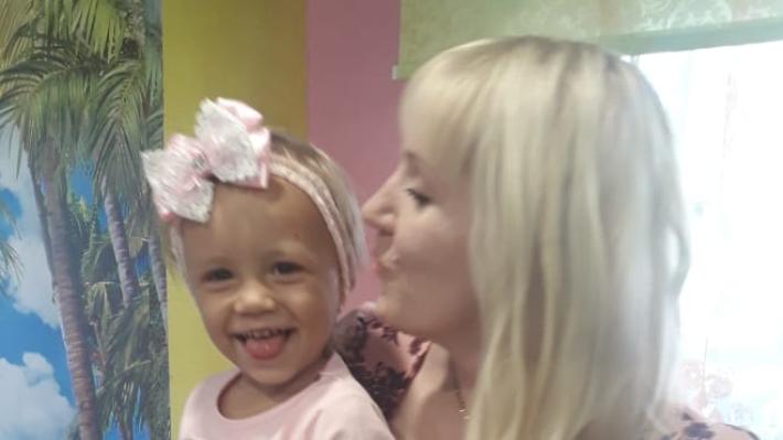«Якобы мы избивали ребёнка»: родители умершей двухлетней Аделины возмущены результатами проверок