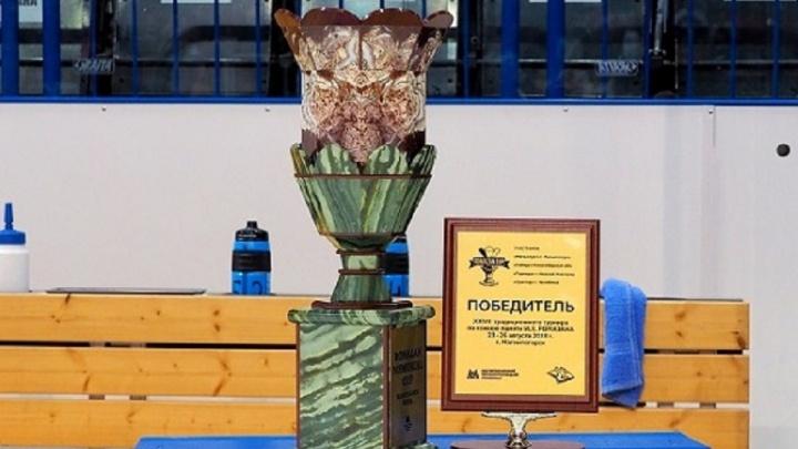 На льду «Арены Металлург» стартовал 29-й турнир по хоккею памяти Ивана Ромазана