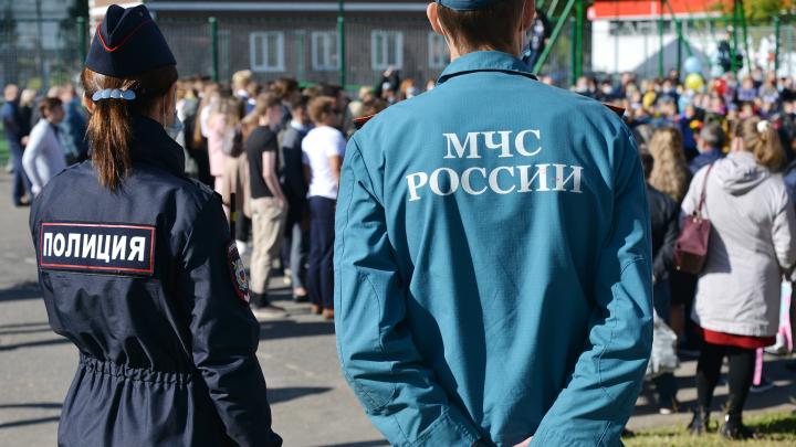 530 полицейских следят за безопасностью возле школ Архангельской области