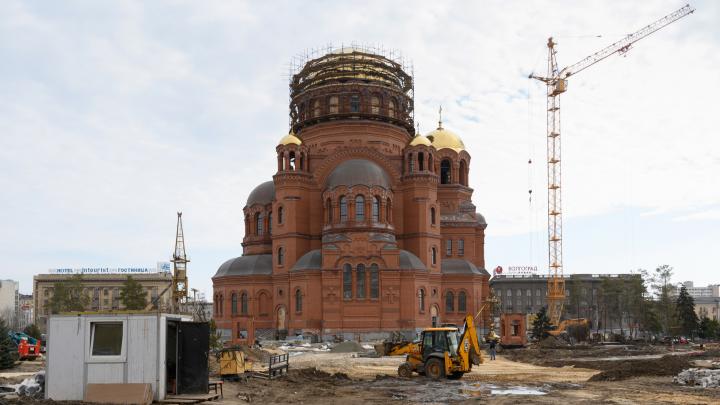 За 92 млн бюджетных рублей сделают подсветку Александро-Невского собора, парковку и церковные лавки