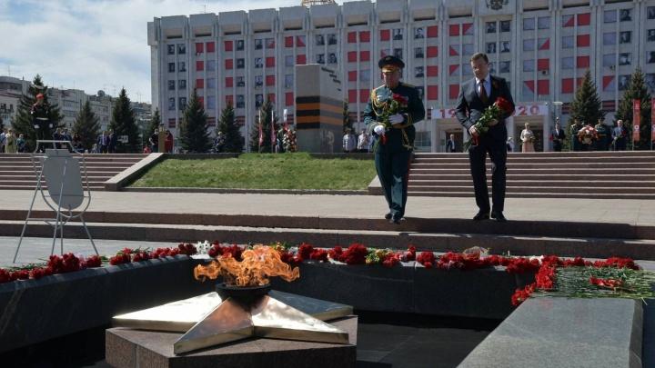 Азаров пообещал провести Парад Победы в Самаре