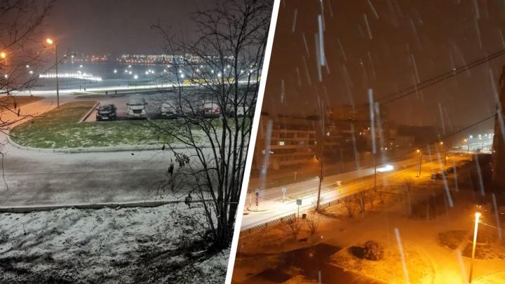 Посмотрите, сколько там выпало снега! Ночью Северный Урал накрыло мощным снегопадом