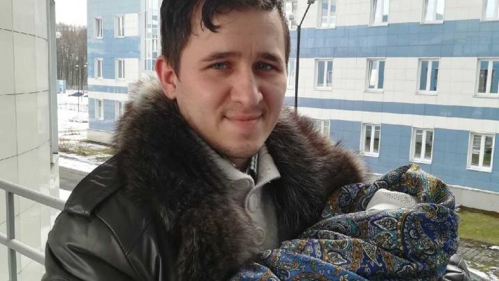 «Летел под 170, на хвосте — полиция»: ярославец принял роды у жены прямо в машине