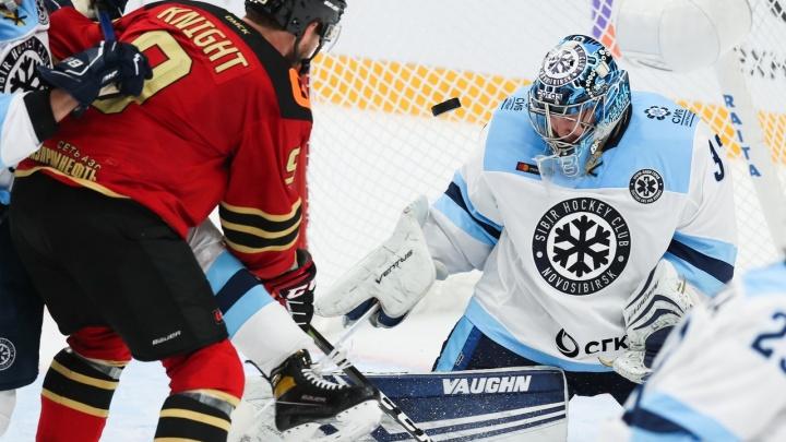 Хоккей: «Сибирь» проиграла омскому «Авангарду» в первом матче сезона