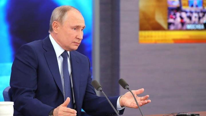 Путину задали вопрос про мусор в Челябинской области, а он ответил про смог