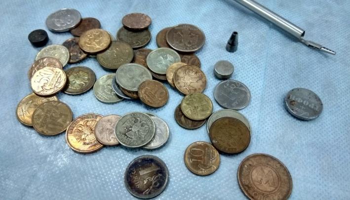 Под общим наркозом тюменские медики спасли девочку, проглотившую двухрублевую монетку