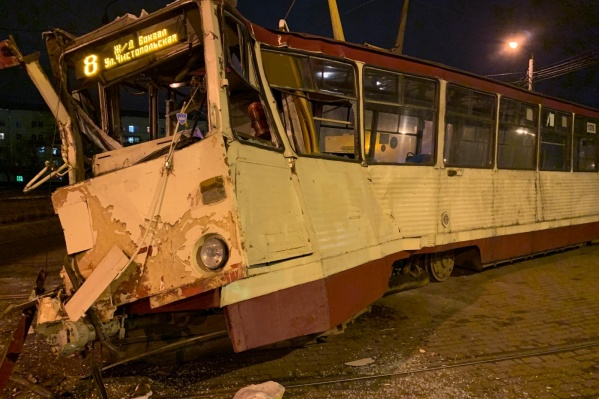 Благодаря действиям водителя трамвая пассажиры в вагоне не пострадали