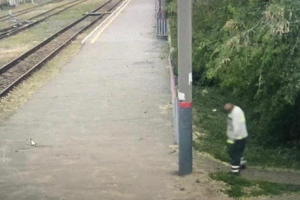 Преступление произошло на несколько метров правее от места охвата камерой видеонаблюдения рядом с перроном урюпинского вокзала