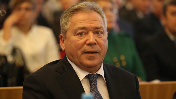 «Уфа функционирует в штатном режиме»: в администрации сообщили, что мэр города заболел пневмонией