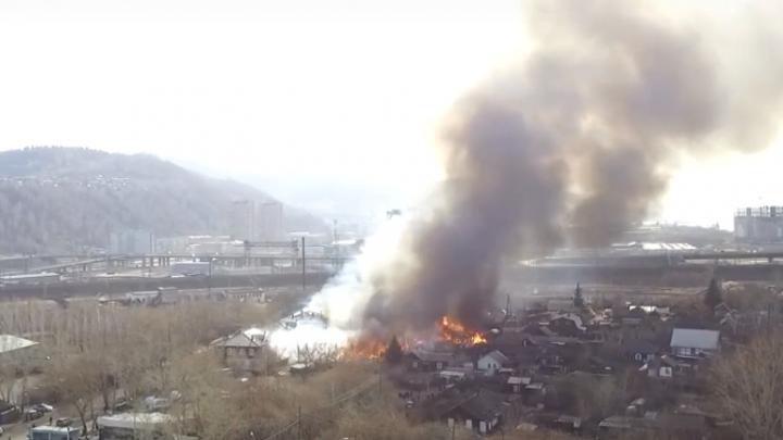 Пожар на Судостроительной сняли с дрона