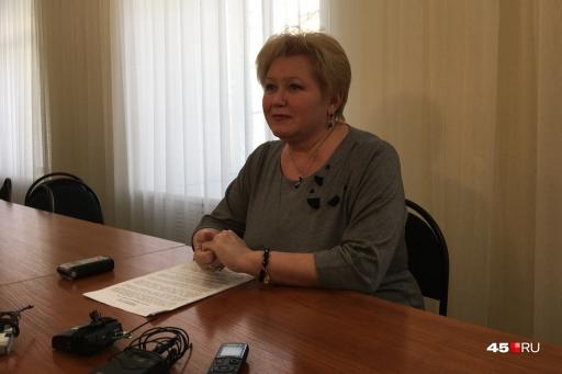 Елену Ситникову сегодня представили коллективу института
