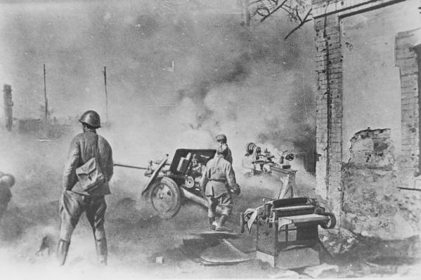 Так запечатлел боевые действия в Сталинграде фронтовой фотограф Степан Курунин