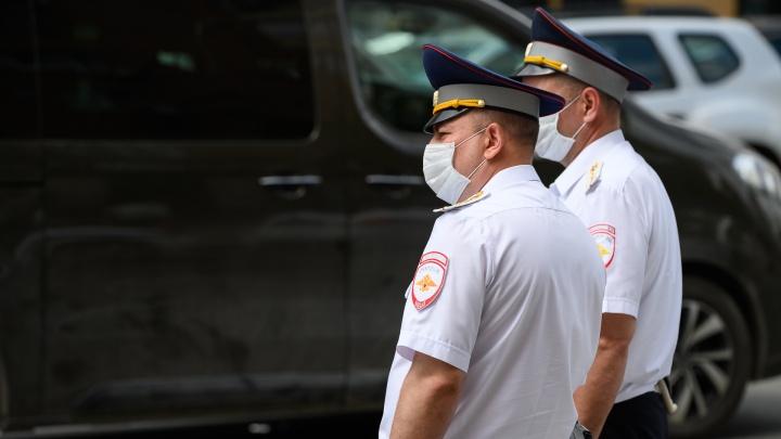 Нарушитель самоизоляции из Каменска-Шахтинского напал на полицейского