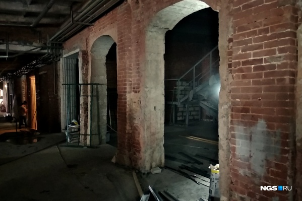 В спрятанном во дворах здании появится целый комплекс баров и закусочных