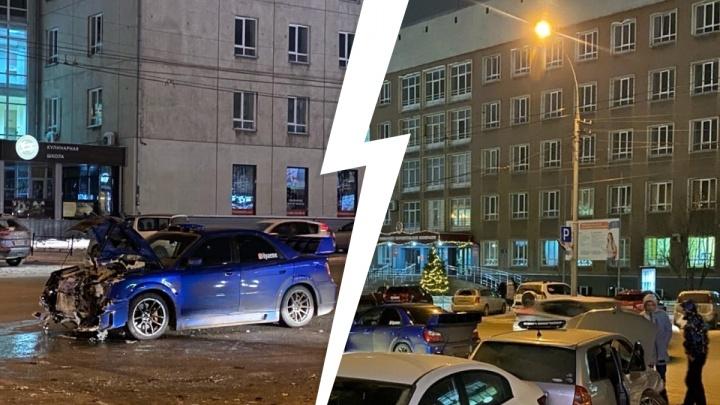На Карла Маркса произошла массовая авария — пострадали два человека